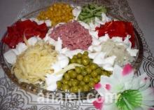 Салаты с колбасой