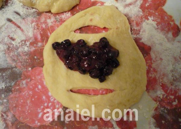 булочки с ягодой рецепт с фото