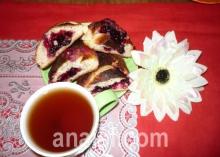 булочки с ягодой фото